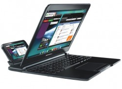 Deal: Motorola Lapdock for Atrix 4G - $54.99 Shipped (Hackable to work with Droid RAZR, Bionic, Atrix 2)