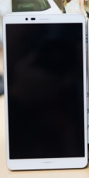 Pantech Vega Secret Up 2 (left) Samsung Galaxy Note 4 (right)